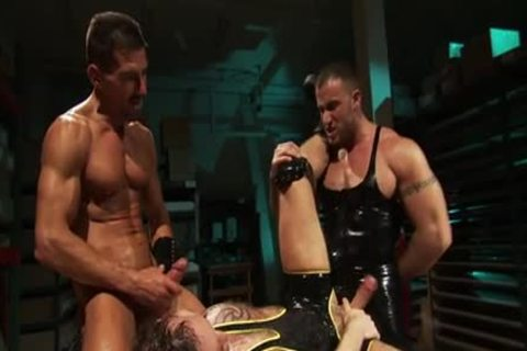 tied Muscly dude Fisted