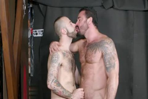 Muscle homosexual oral pleasure-service With cumshot