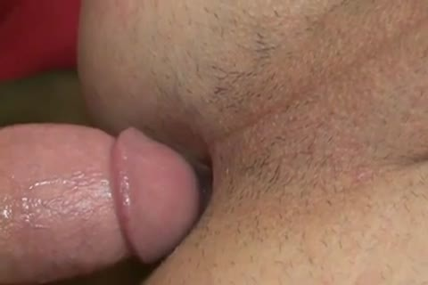 I Need A powerful Top To Control My butthole - BareSexyBoys.com