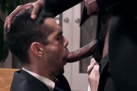 Giving Your black Boss A oral-stimulation sex And Getting Barebacked