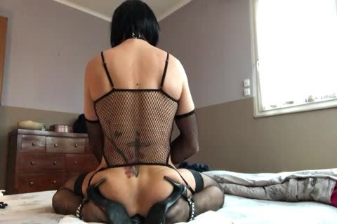 Sissy Plays With Her cunt