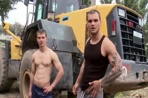 Muscle Daddy anal sex And Facial