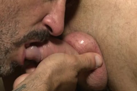Muscle Bear raw With cumshot