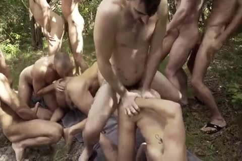 nude Groupfuck In Nature