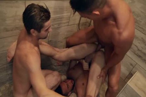 Johnny Hits The Showers Starring Johnny Rapid