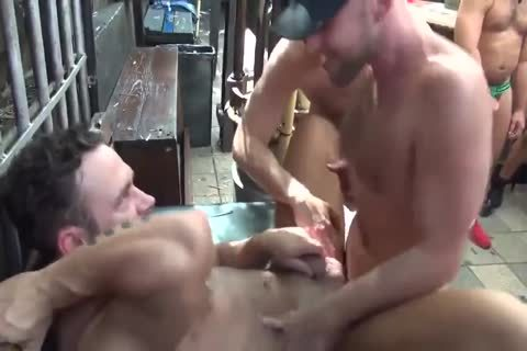MusclePup Logan Moore acquires bunch team-poked Barebacked fuck
